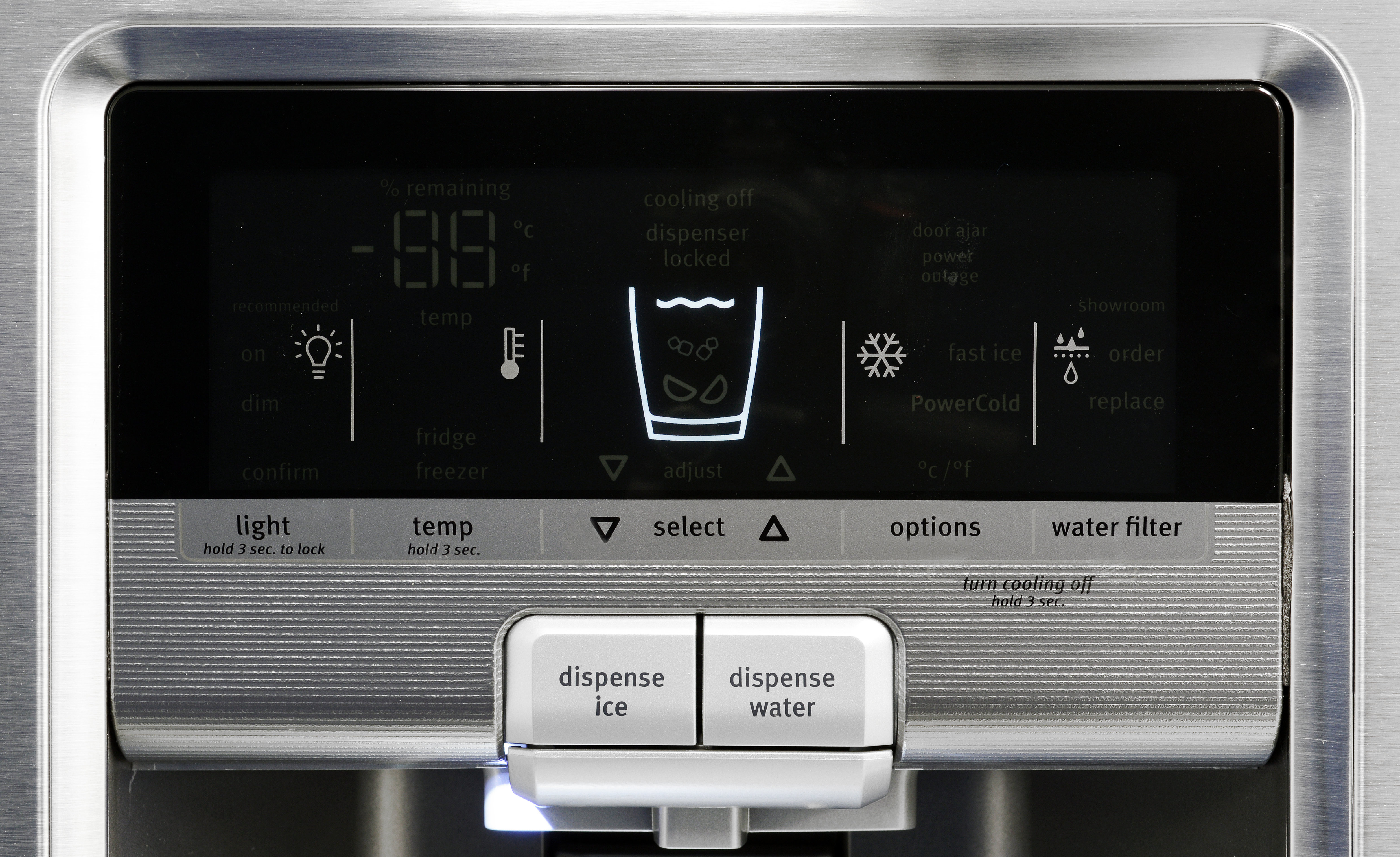 Even the Maytag MFX2876DRM's control panel, with its ridged lower section and large buttons, and an industrial feel to it.