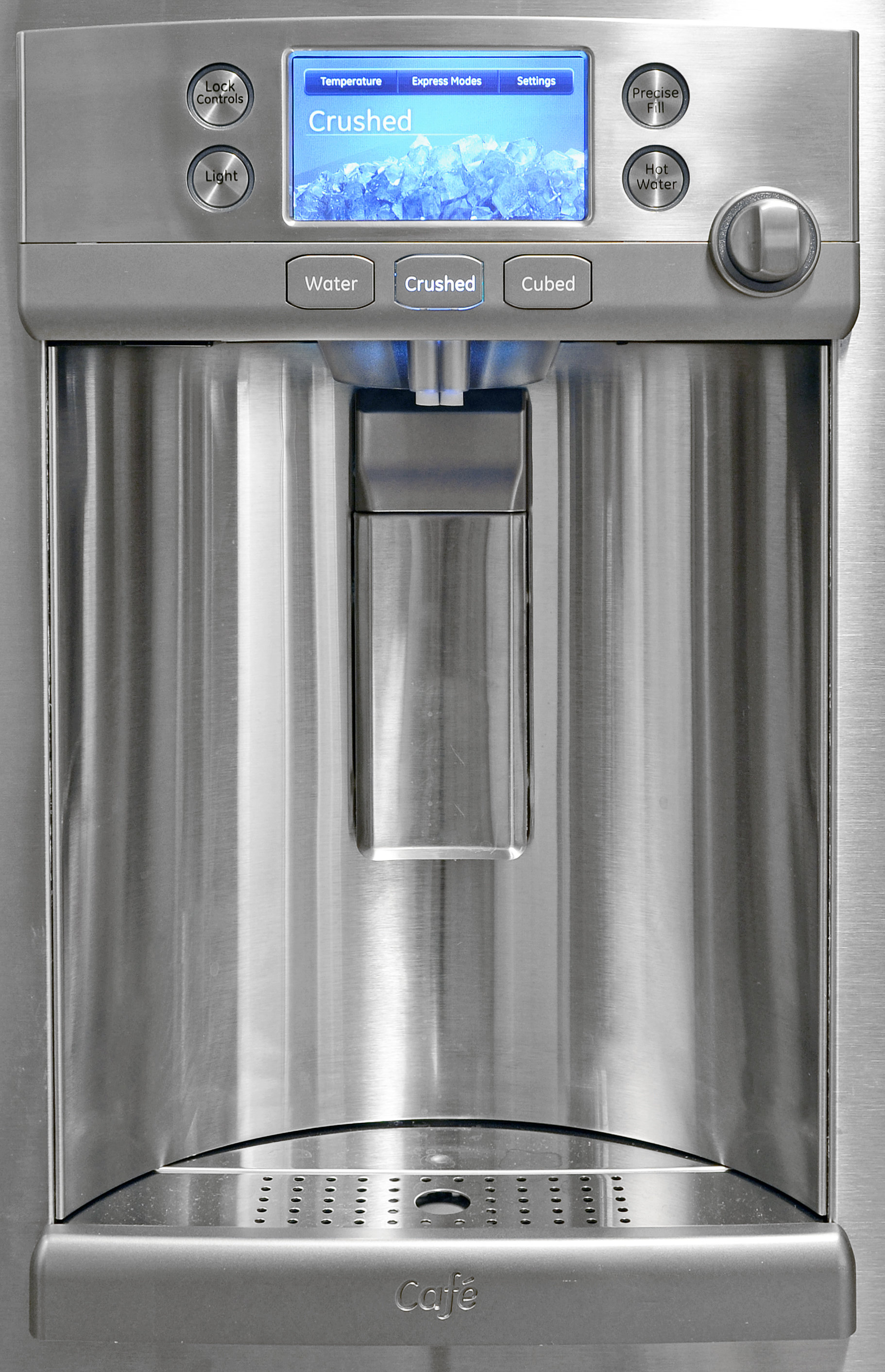 The GE Cafe CFE28TSHSS's dispenser is unusually tall, making it easier to fill everything from a drinking glass to an empty water jug.