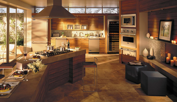 Earth-toned design complemented by Viking Professional appliances.