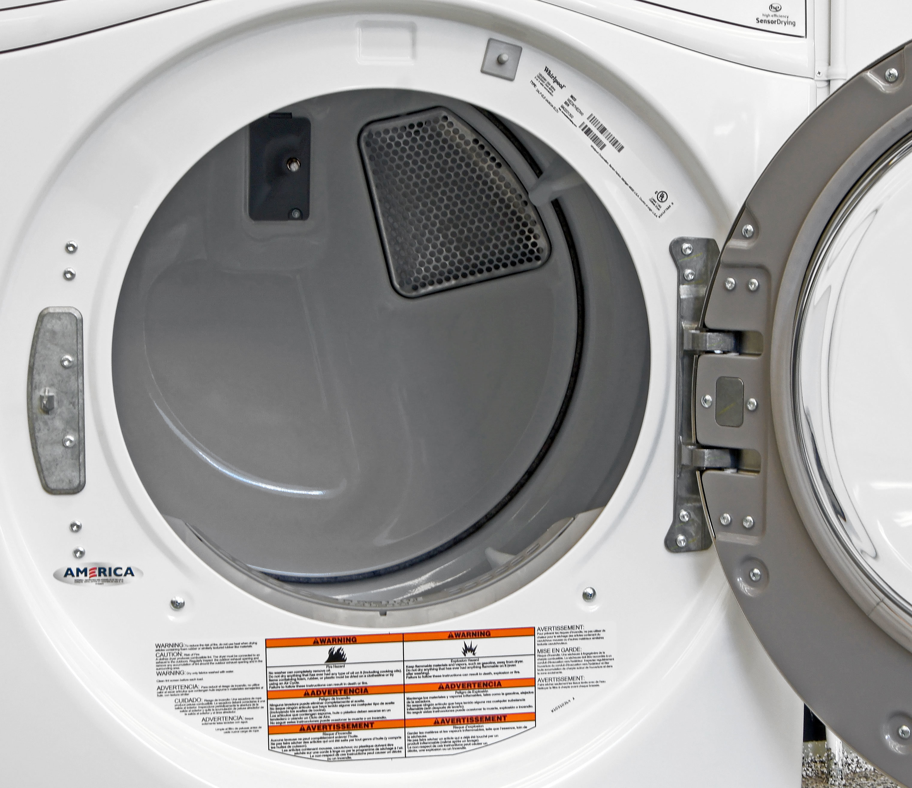 If the Whirlpool Duet WGD87HEDW cost any more that it does, the white drum would be a disappointment.