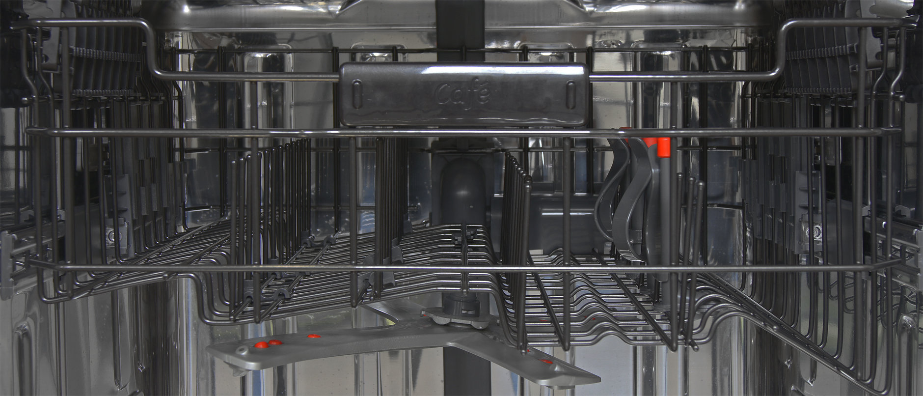 GE Cafe CDT725SSFSS close up of top rack