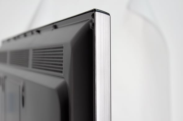 The bezels may look like brushed metal, but they're plastic.