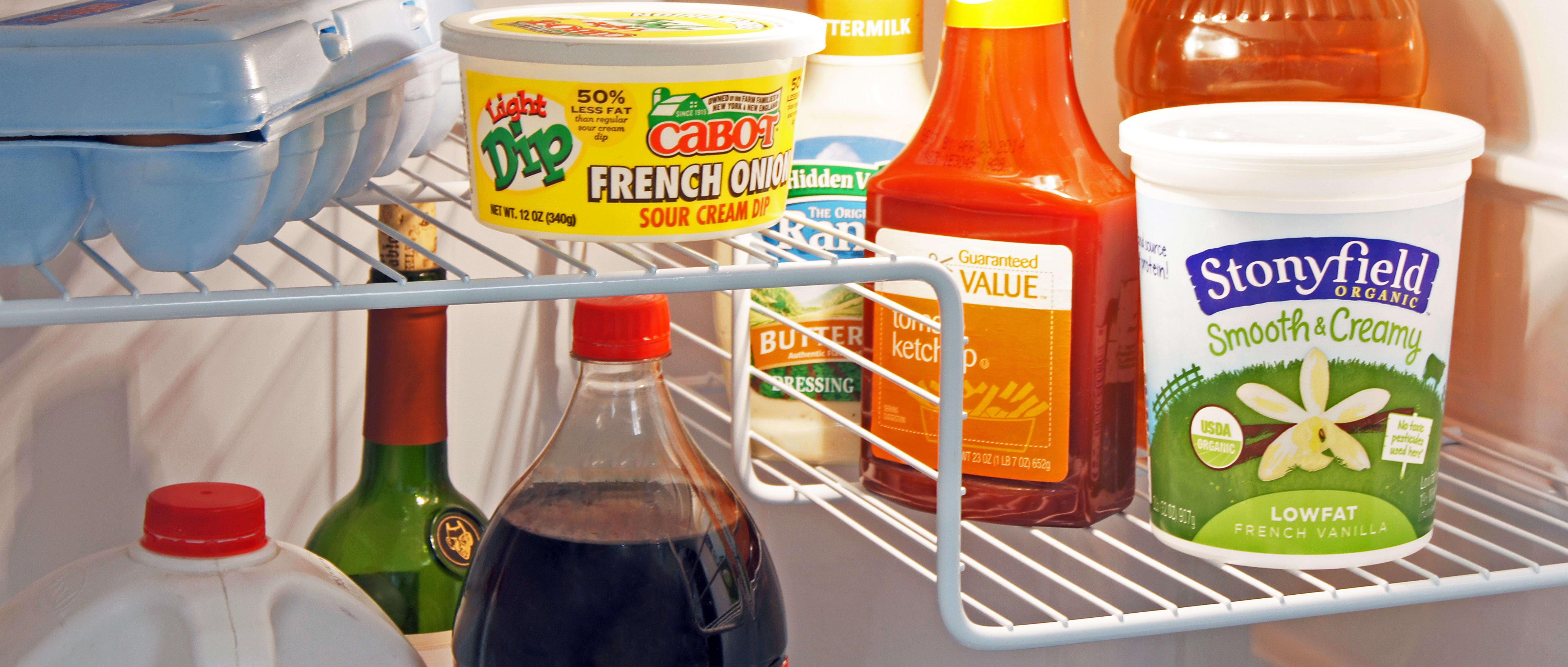GE GIE16DGHBB Black Top Freezer Refrigerator