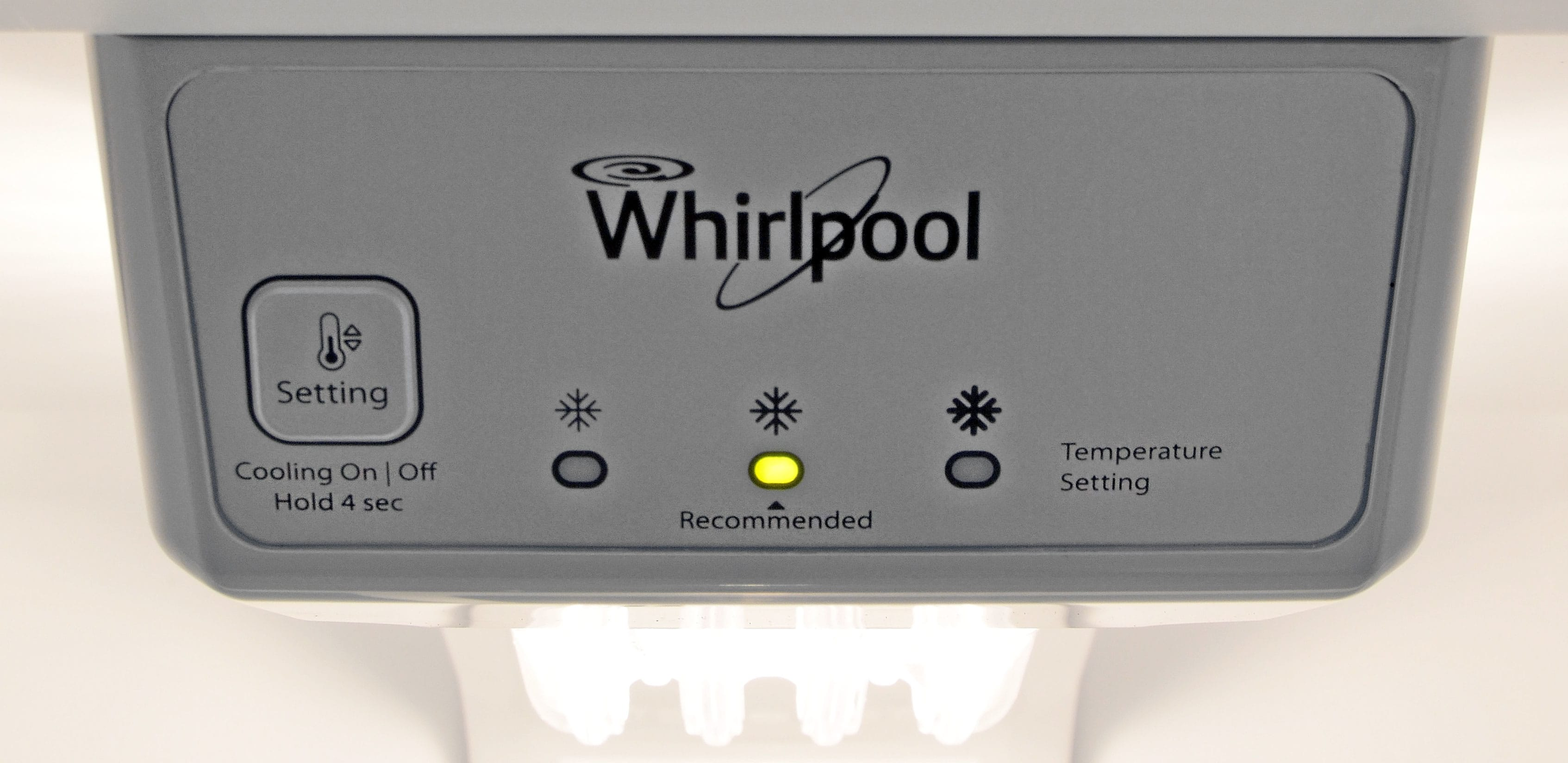 The Whirlpool WRT318FZDB is definitely NOT about consumer control. No sliding scales here, but fortunately the recommended setting is more or less on point.
