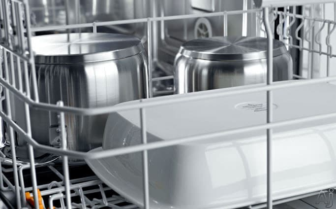 Manufacturer's render of items loaded on the lower rack
