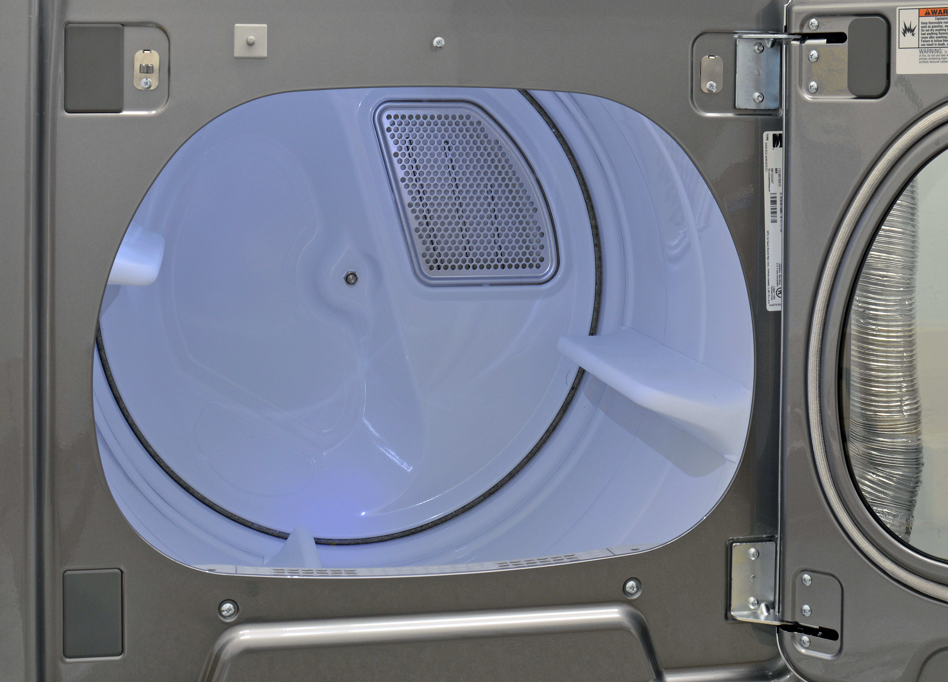 The Kenmore 79133's interior light is nice, but we were surprised back the lack of a stainless drum.