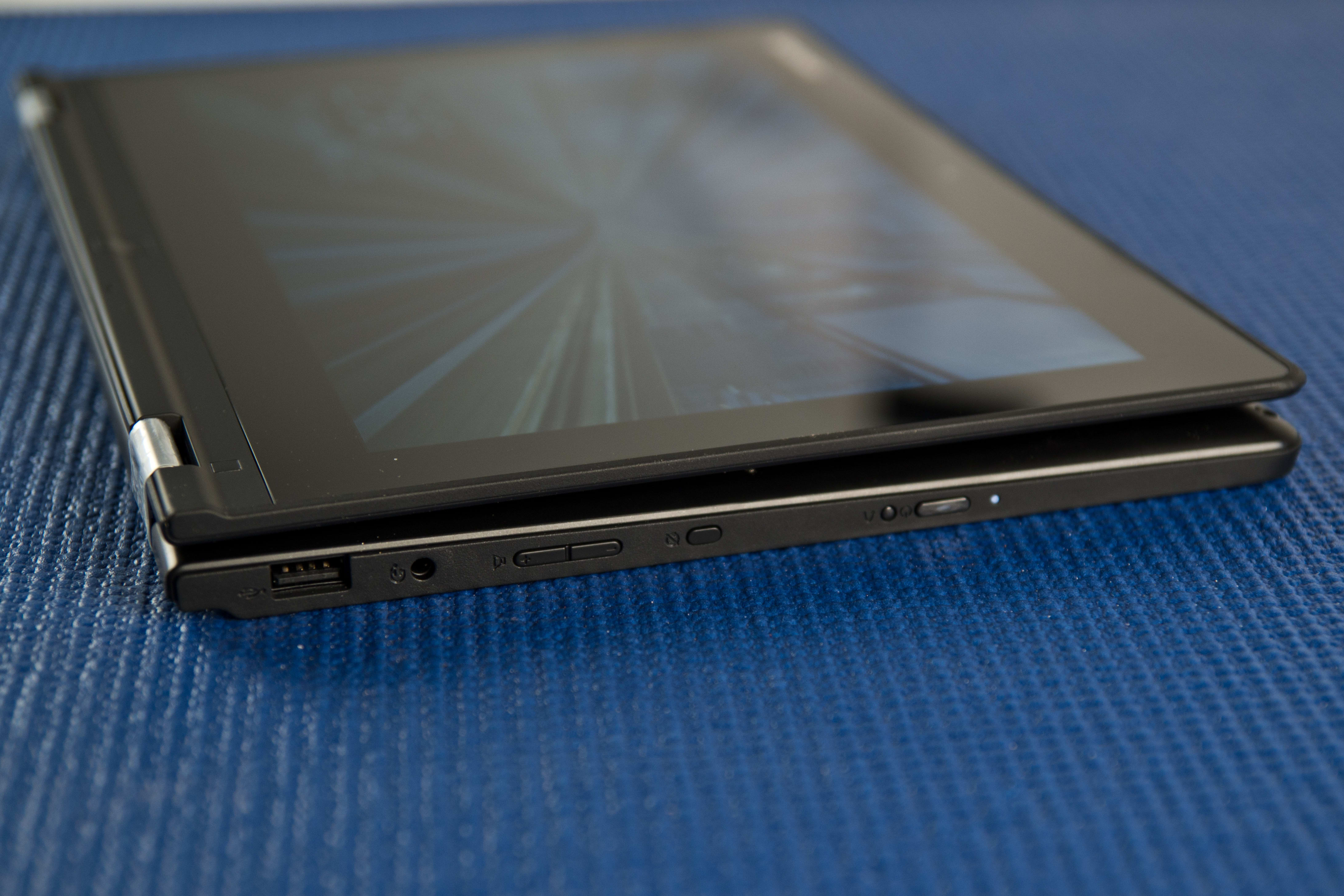 A picture of the Lenovo Yoga 2 11's buttons.