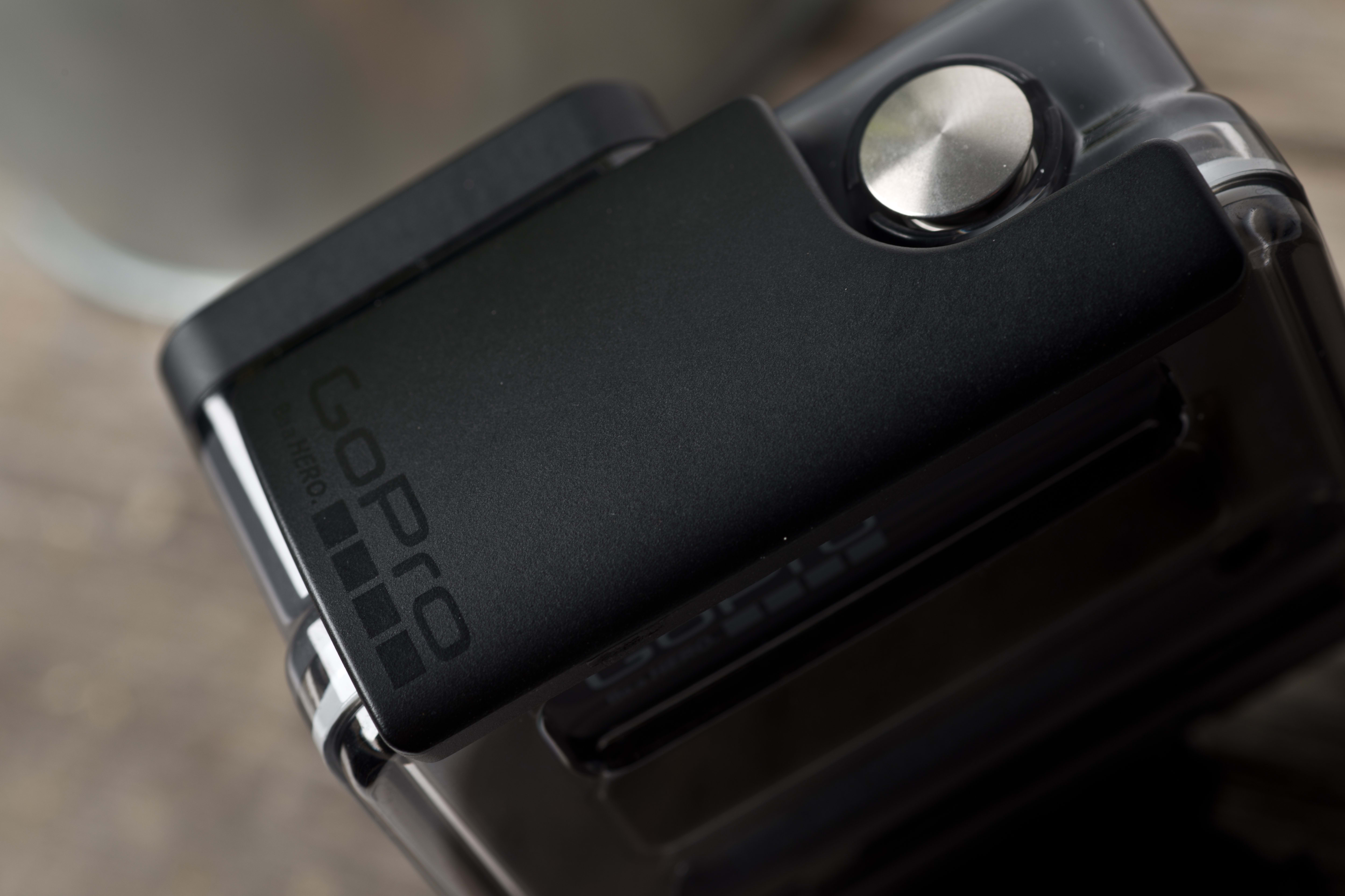 A photograph of the GoPro Hero 2014 edition's latch.