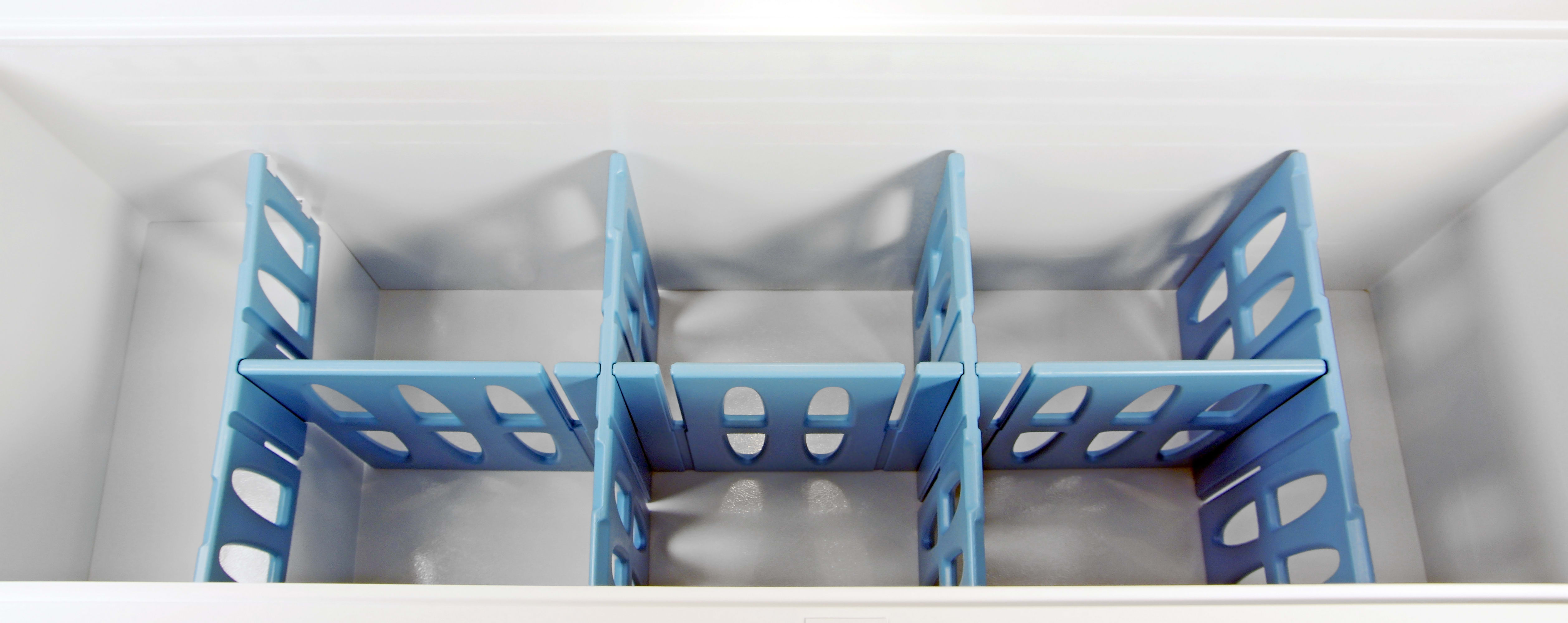 The Frigidaire Gallery FGCH25M8LW's large interior can be divided up using these five adjustable plastic dividers.