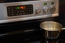 Frigidaire FGIF3061NF In Action