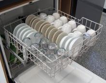 Whirlpool WDF310PAAS—Top Rack Capacity
