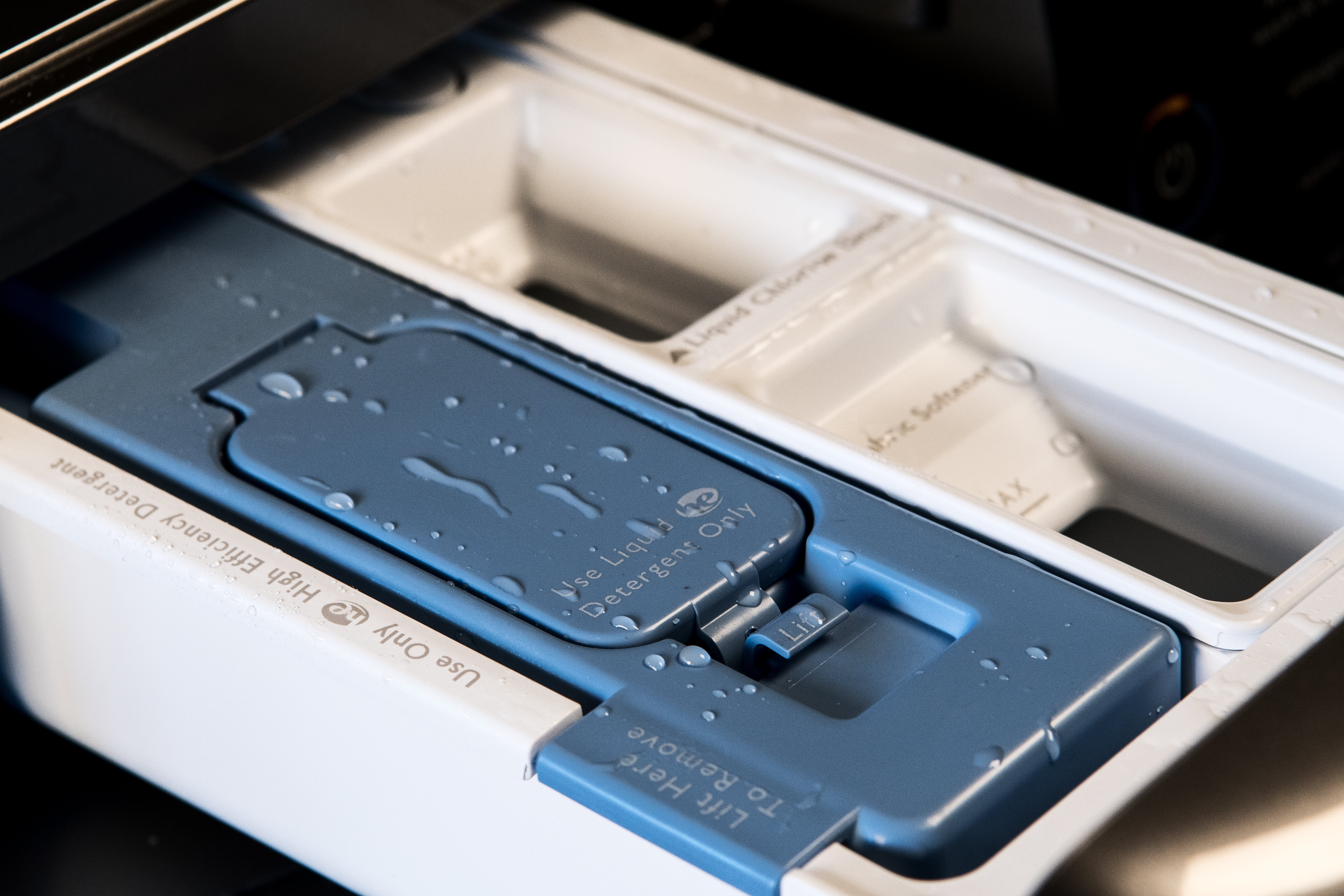 Optimal Dose is a cartridge system that releases the best concentration of detergent for your laundry.