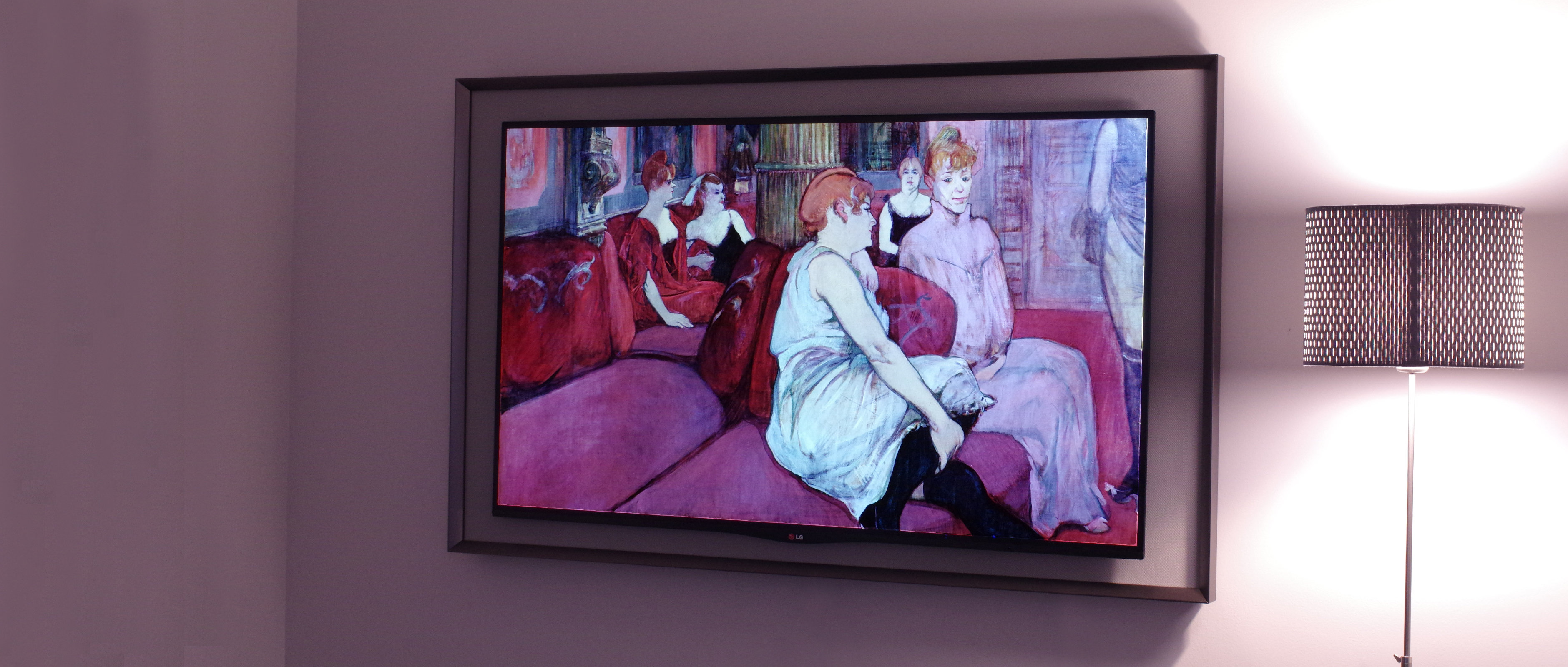 LG' Gallery OLED, the 55EA8800, is a stunning machine.