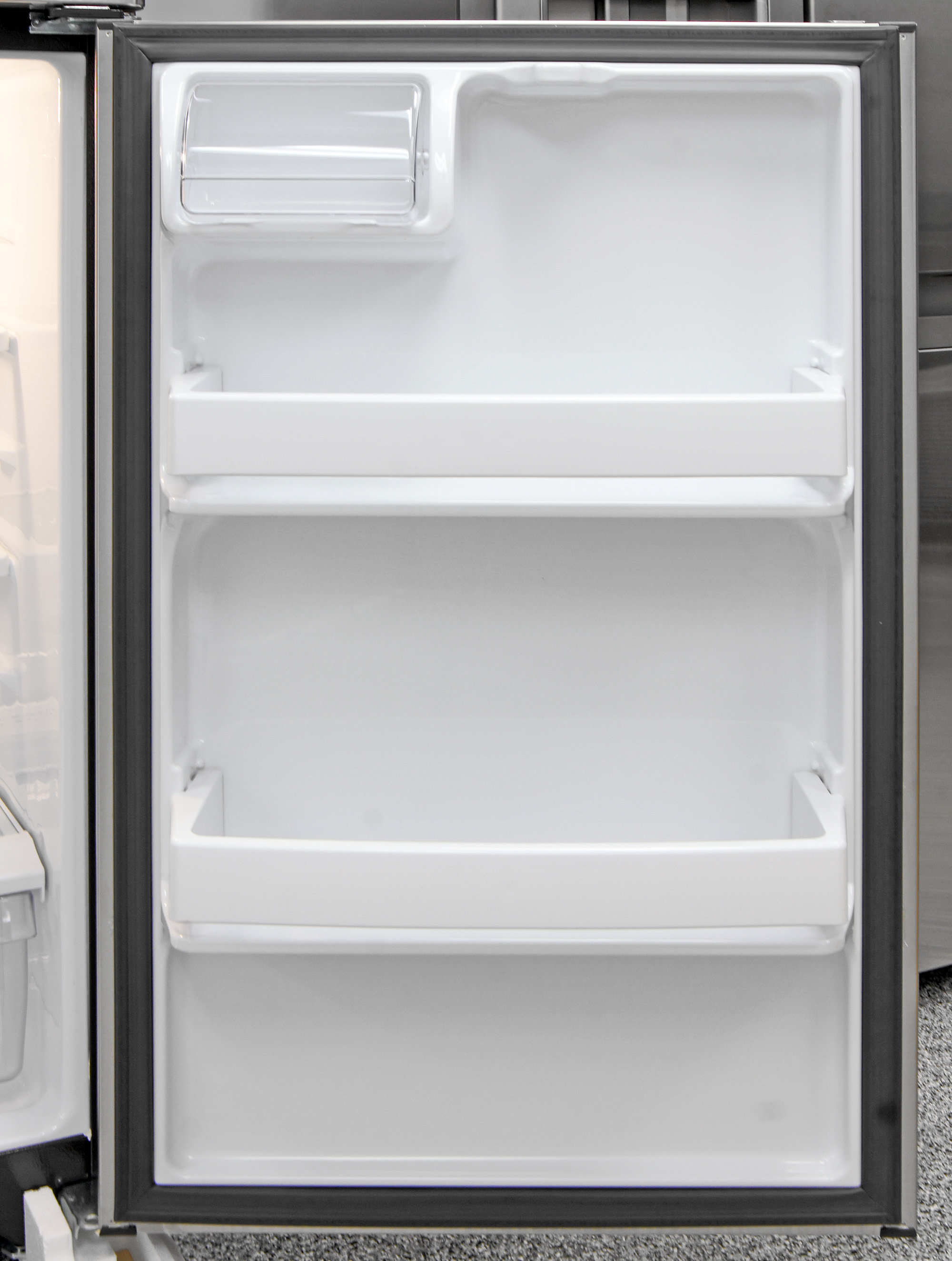 The GE GTE16GSHSS's fridge door storage isn't adjustable, but can still accommodate a variety of items.
