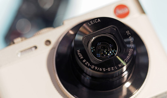 Lens_cropped.jpg