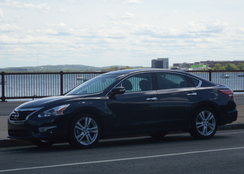 2013 Nissan Altima Cloud Connected