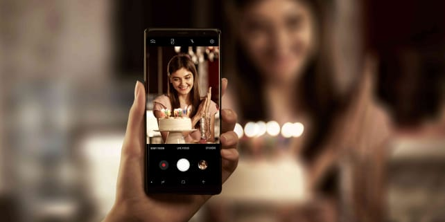 Samsung Galaxy Note 8 Camera In Use