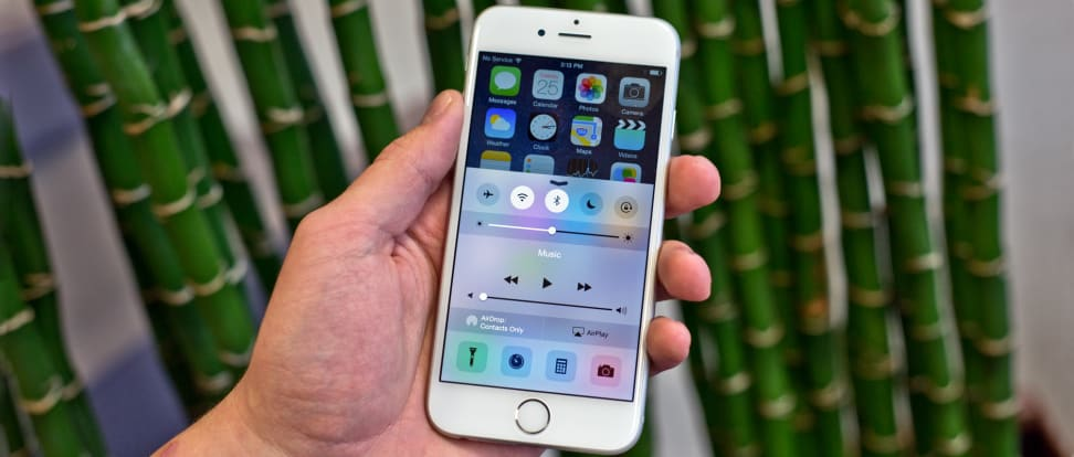 apple-iphone-6-review-design-in-use-drawer.jpg