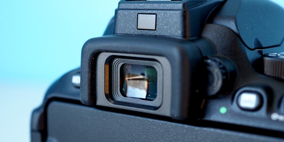 Nikon D5600 optical viewfinder