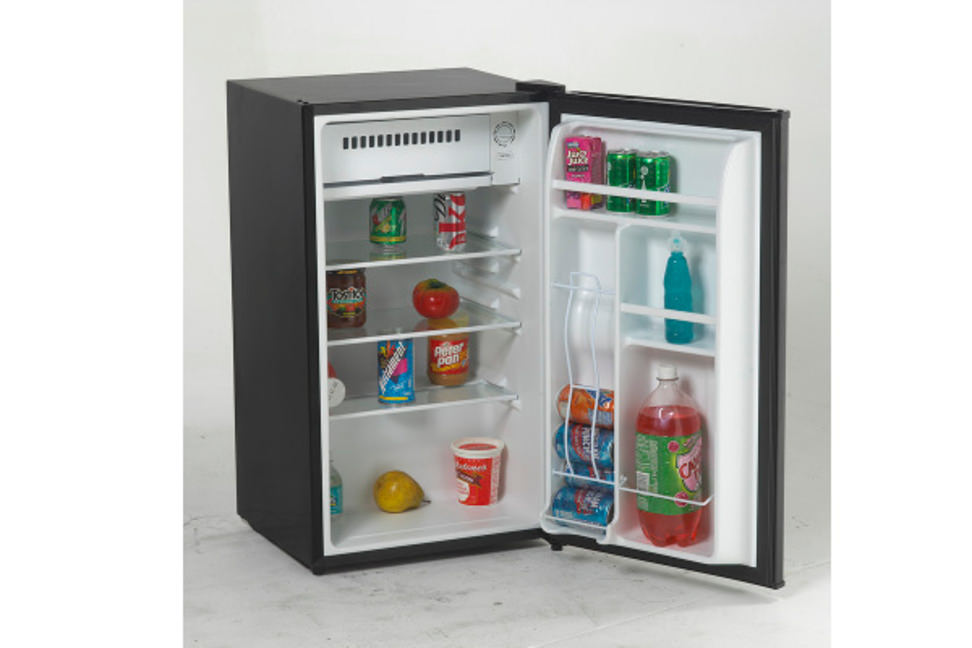 Deal Avanti Compact Refrigerator At P C Richard Son Reviewed
