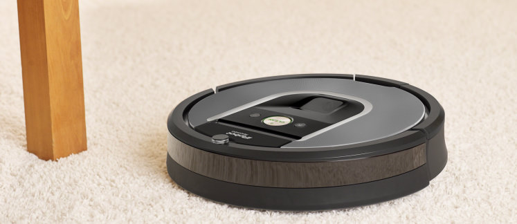 meet the roomba 960 irobot 39 s affordable connected vac robot vacuums. Black Bedroom Furniture Sets. Home Design Ideas