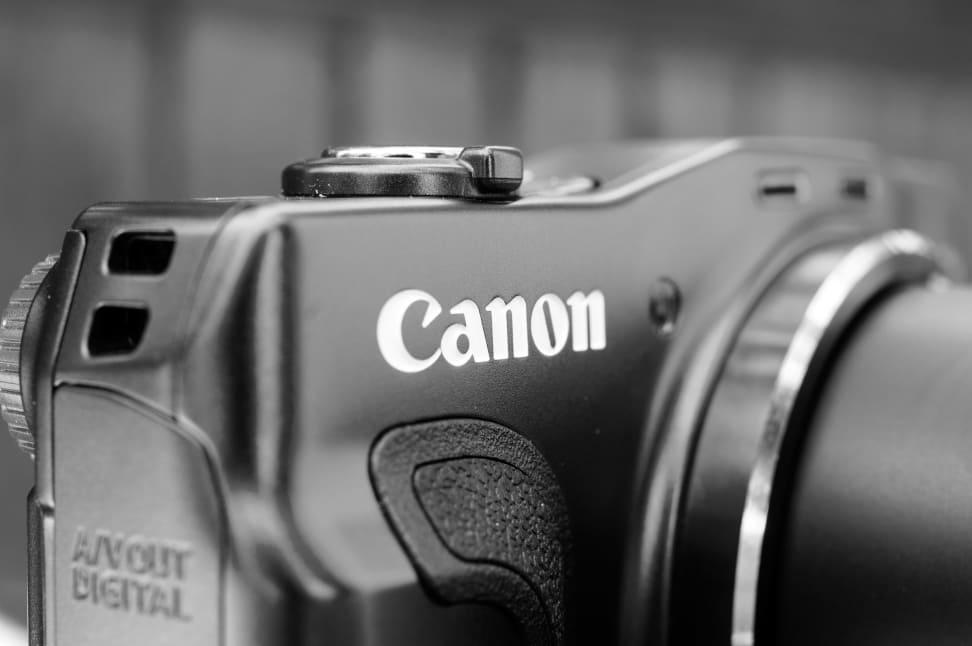 CANON-SX700-HS-LOGO-BW.jpg