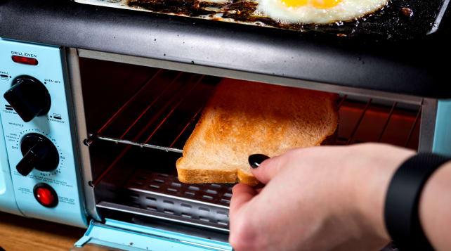 Nostalgia Toaster in use