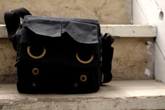 CANVAS-BAG-STAIRS.jpg