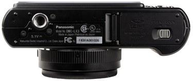 Panasonic-DMC-LX3-bottom-375.jpg