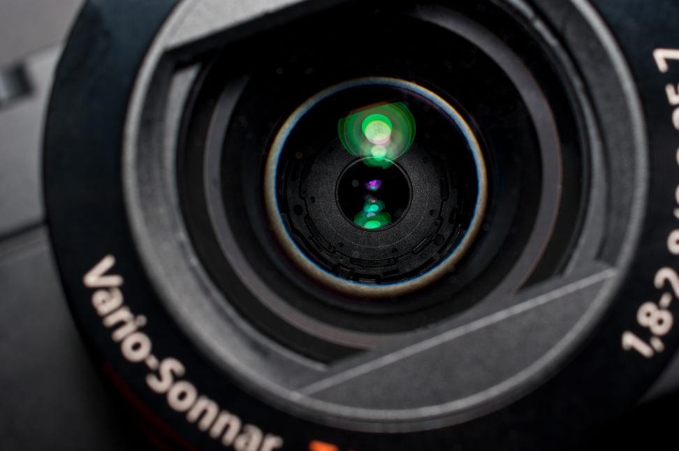sony-rx100III-review-design-aperture.jpg