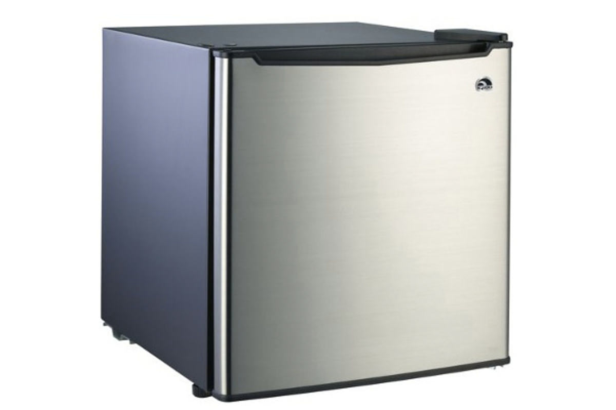 Igloo 1 7 Cubic Foot Refrigerator On Sale At Walmart
