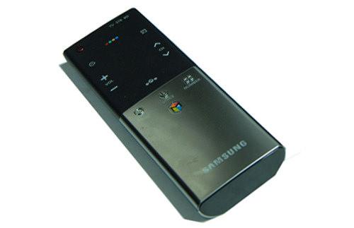 Samsung-UN55ES8000-Remotes.jpg