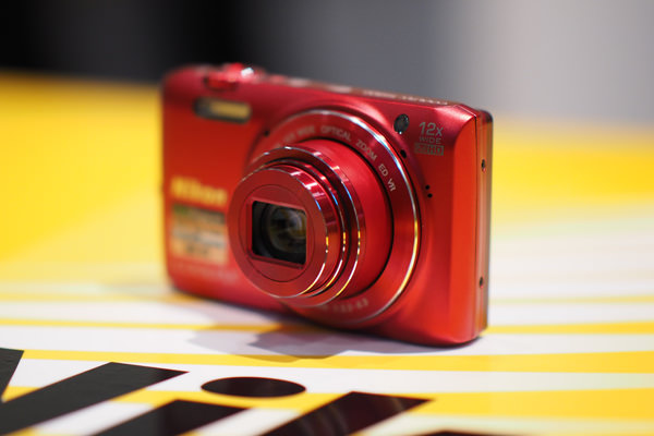 NIKON-S6800-LENS.jpg