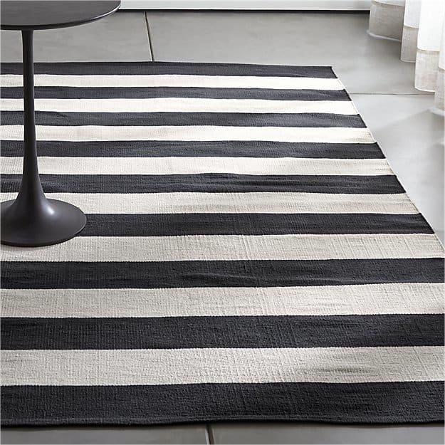 Graphic-stripes