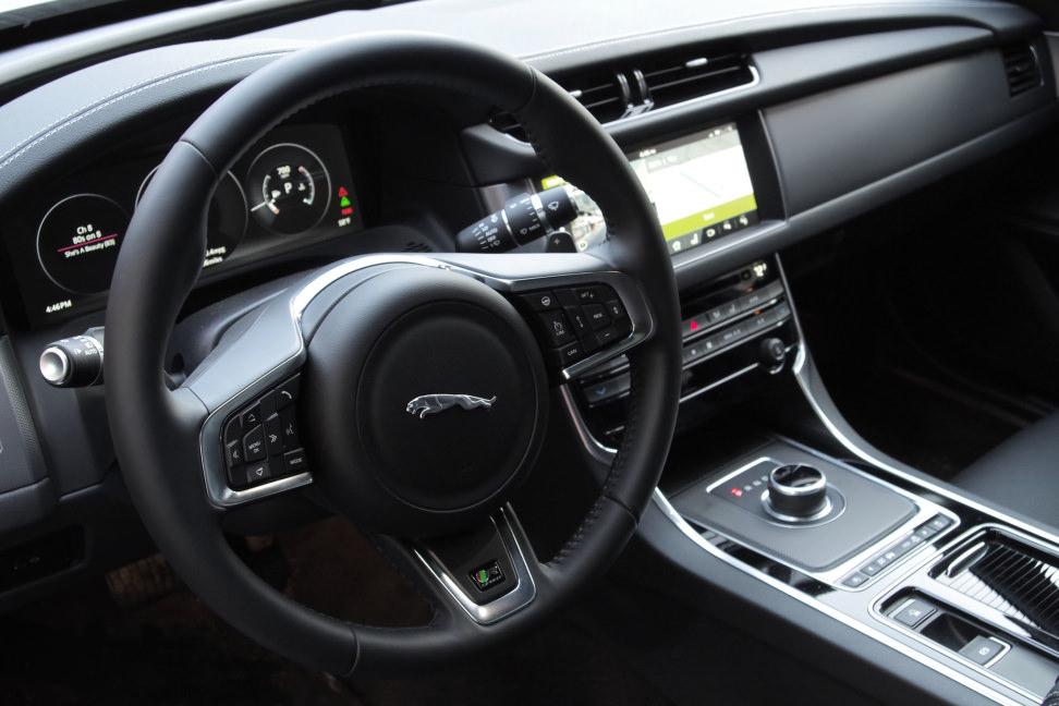 2017 Jaguar XF Diesel Interior