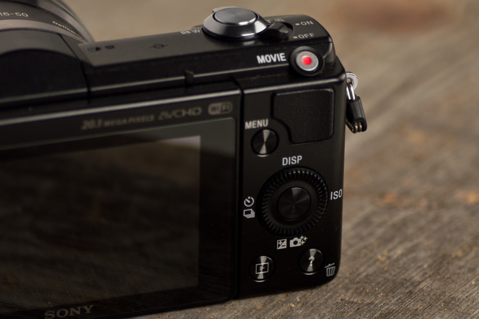 sony-a5000-review-design-controls.jpg
