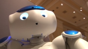 1242911077001 3976145939001 this friendly robot helps children in the hospital