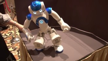 1242911077001 3975814362001 consumer trends at ces  mind sharing  robots  and healthy living