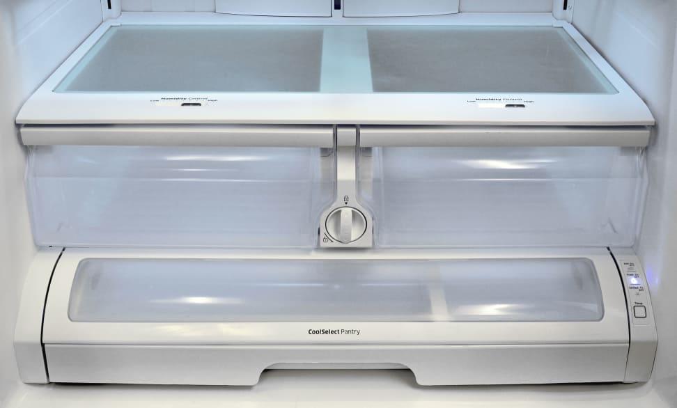 Samsung RF260BEAESR Crisper & Pantry Drawers