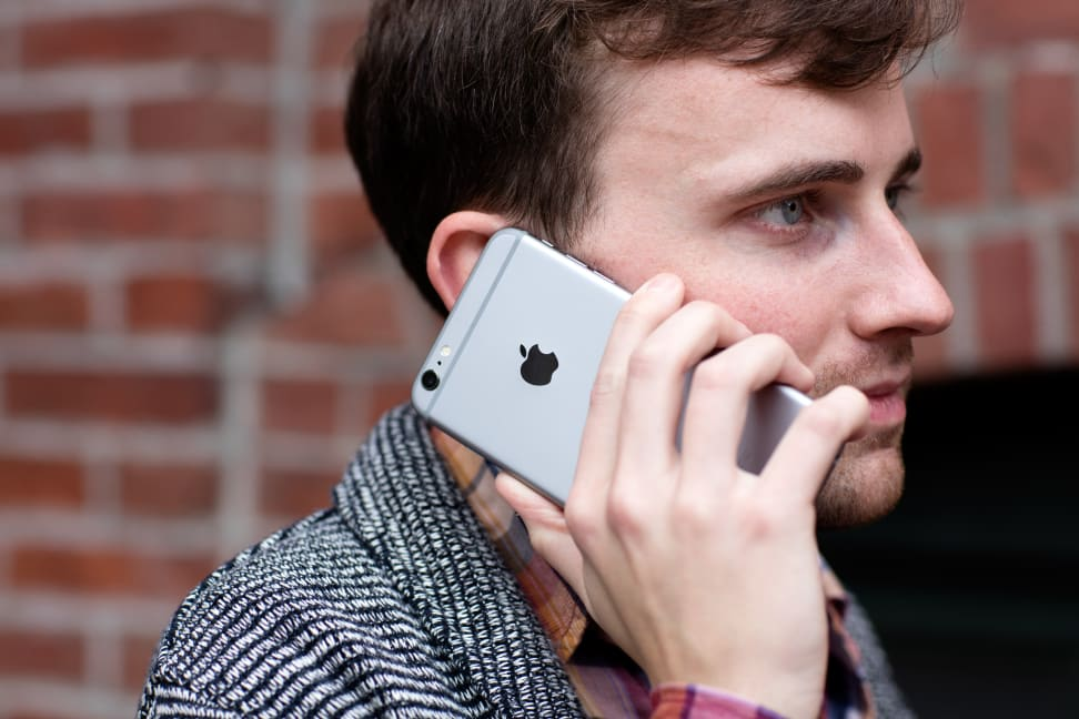 Apple iPhone 6s Plus Making a Phone Call