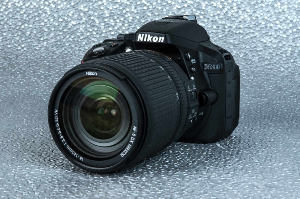Nikon-D5300-Review-Design-lens.jpg