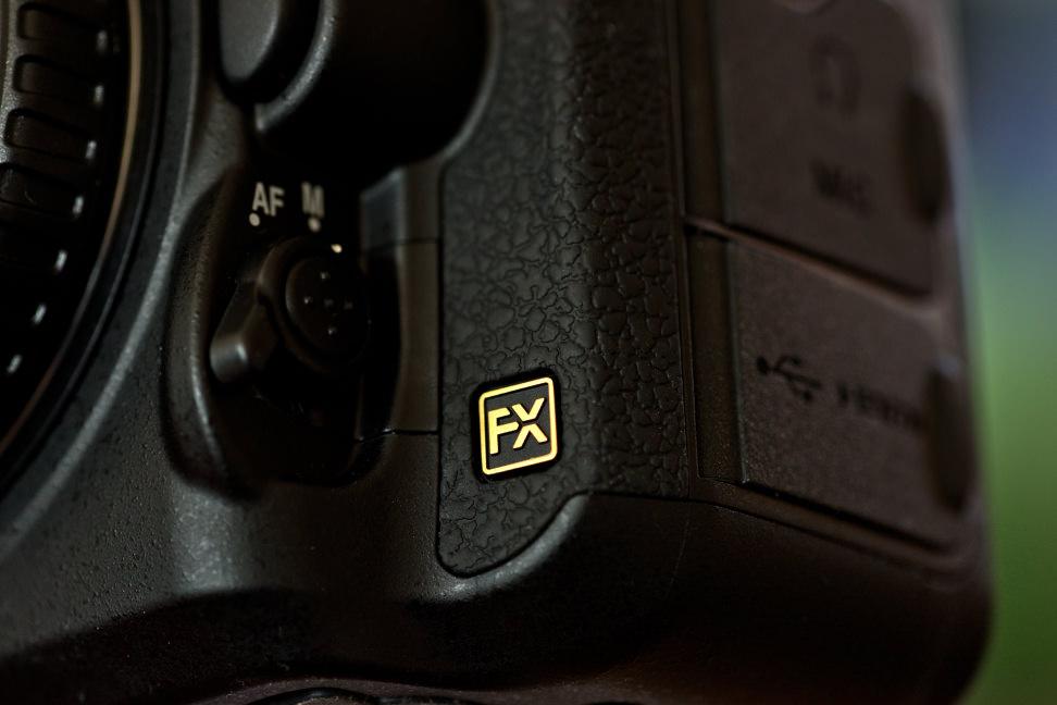 nikon-d750-review-design-badge.jpg