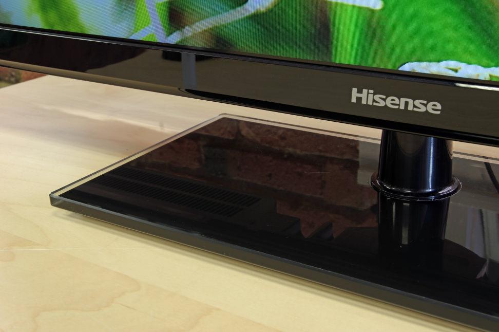 Hisense-32H3-stand.jpg