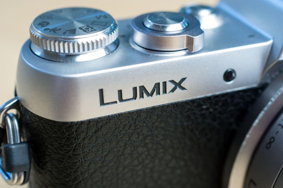 Panasonic Lumix DMC-GF7 Lumix Logo