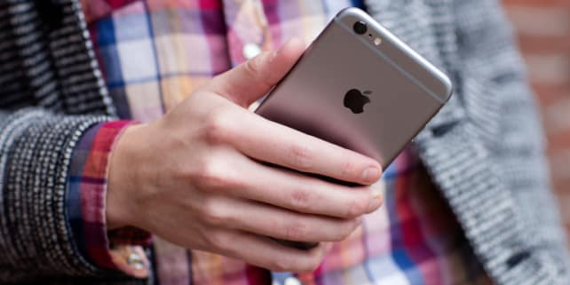 iPhone 6s Plus In Hand