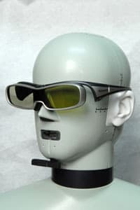 Panasonic-TC-P42GT25-3dglasses2.jpg
