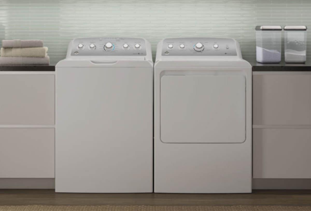 Everyone is buying this American-made washing machine ...