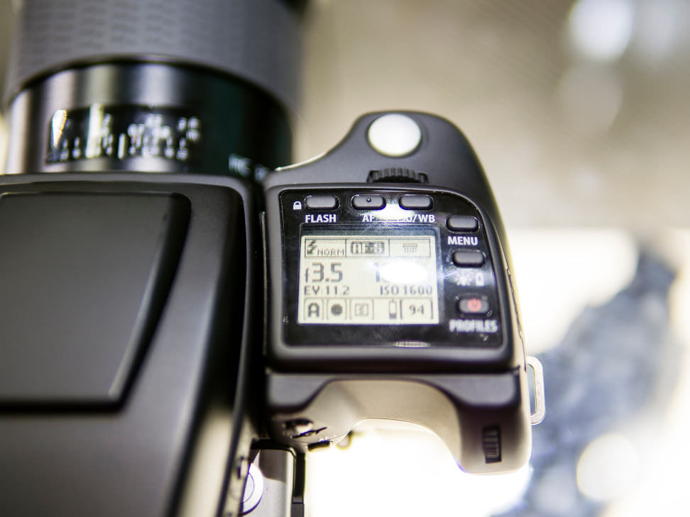 Hasselblad-H5D-50c-FI-Review-Top-Controls.jpg